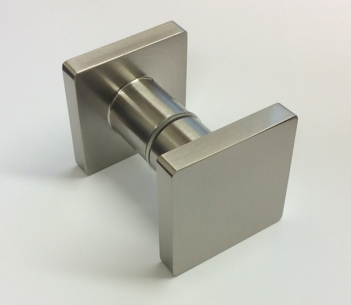 Cubo knobs for glass doors